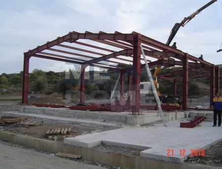 construction-greece-with-metal-building10